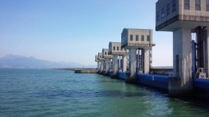 諫早湾干拓地の堤防