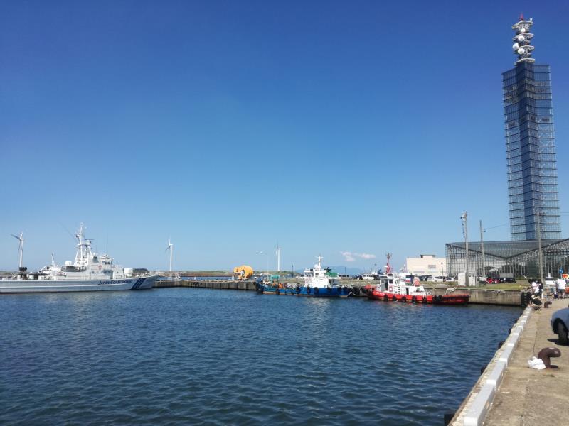 秋田港の朝
