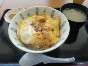 【秋田県大潟村】 道の駅 おおがた 「比内地鶏親子丼」