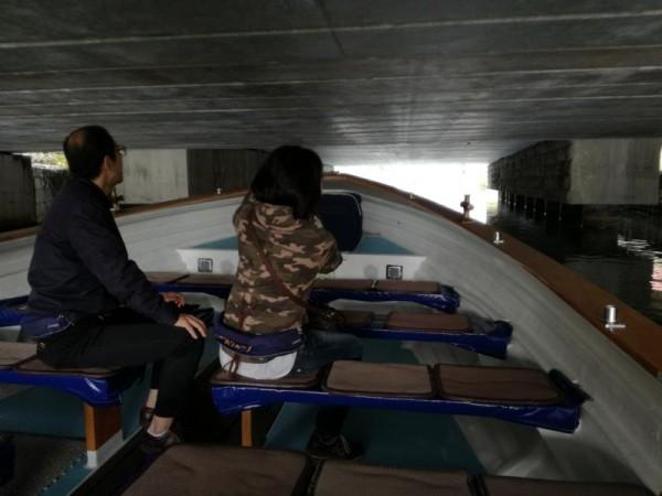 小樽運河クルーズ 橋の下